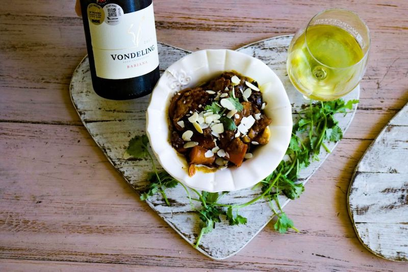 Featured wine and dish – Vondeling Wines Babiana and Chicken Tagine with Apricots and Roasted Almonds